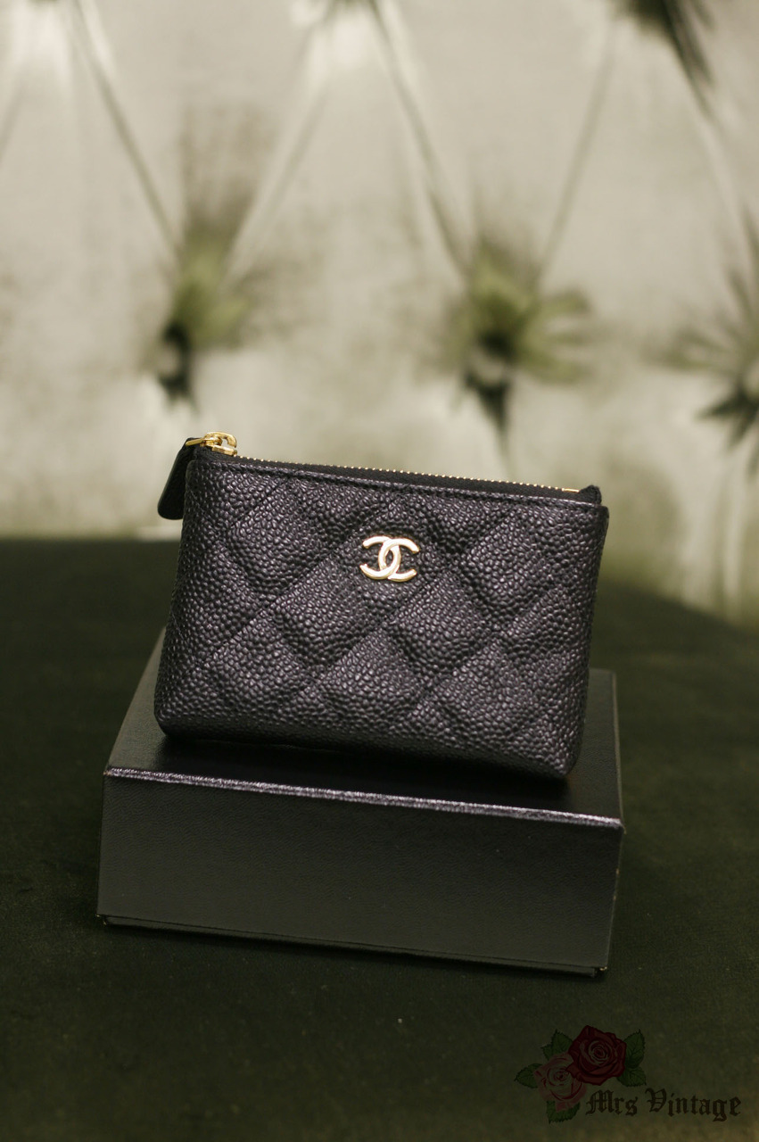 71903e18f491 [Reserved] Authentic CHANEL Black Caviar Quilted Coins Keys Bag Brand New