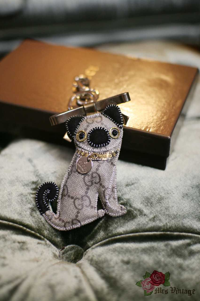 943ef1a8979f Authentic Pre owned Gucci Oliver Pug Key Chain / Bag Charm with Box ...