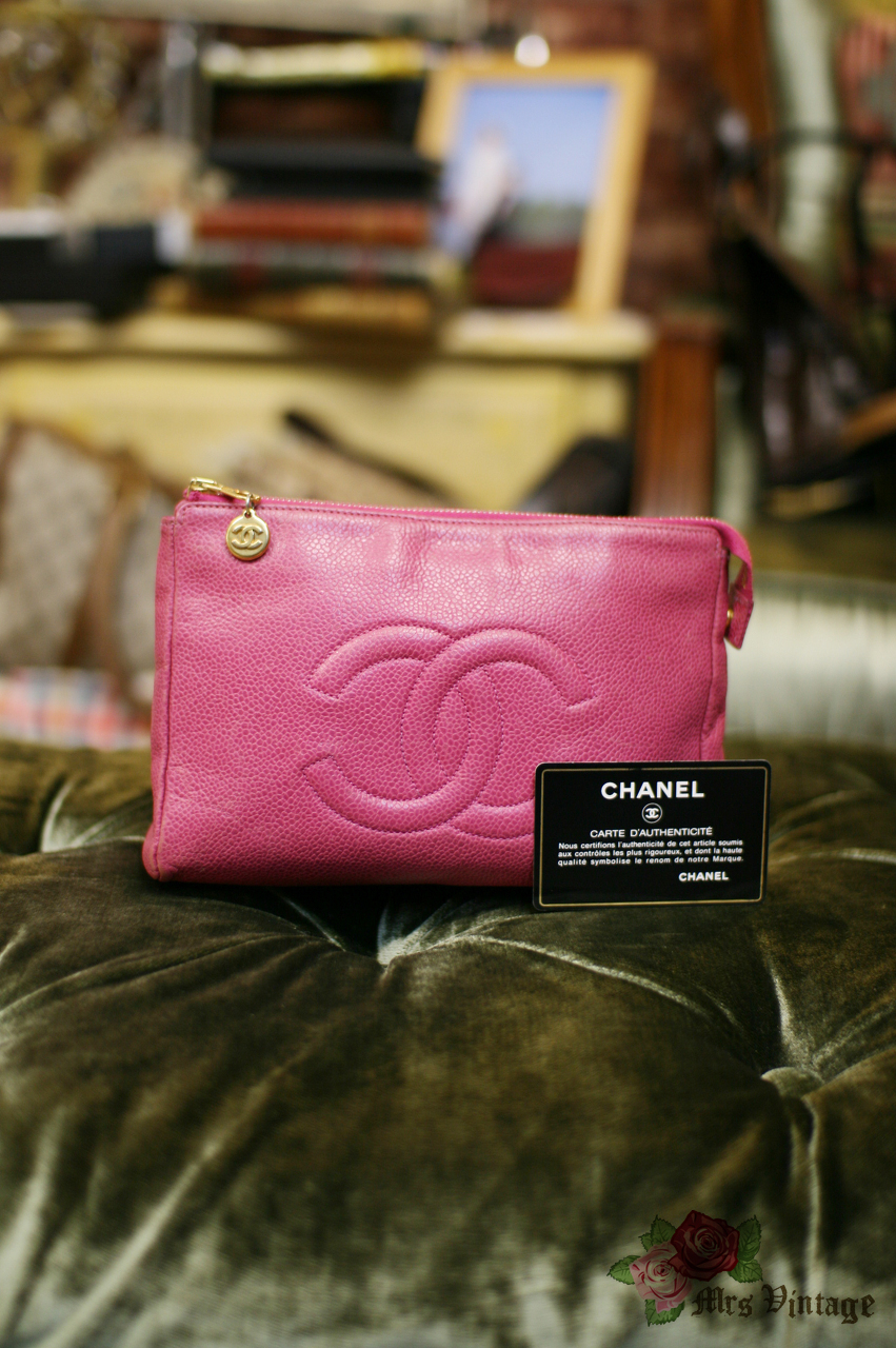 bd270f6887a362 Vintage Chanel Large Pink Caviar Pouch Cosmetic Bag Small Clutch RARE