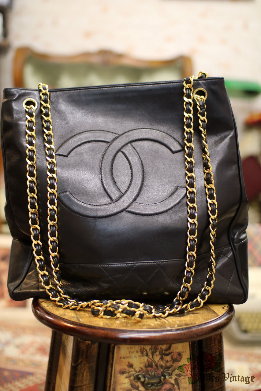 f7e09b24b9f0 Vintage Chanel Quilted Black Lambskin Leather Tote Bag from 1980s Rare