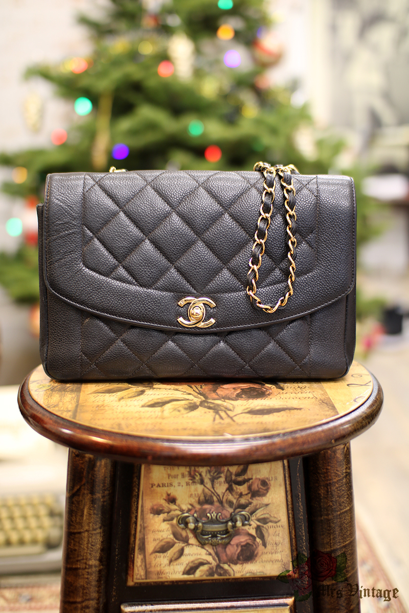7c5f51722bd64b Vintage Chanel Black Caviar Quilted Leather Diana Bag Gold Chain CC 25cm  Wide