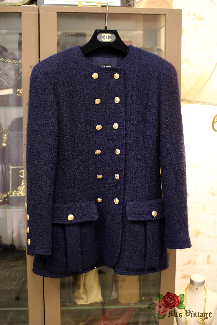 Vintage Navy Chanel Wool Jacket with Crew Neck with 22pcs