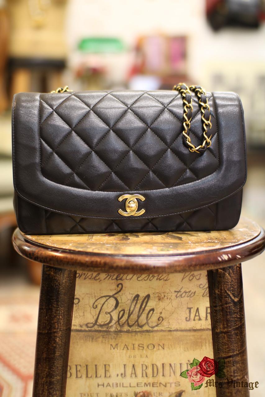 6e2cb5439cd86f Vintage Chanel Classic Black Quilted Leather Shoulder Flap Bag 25cm ...
