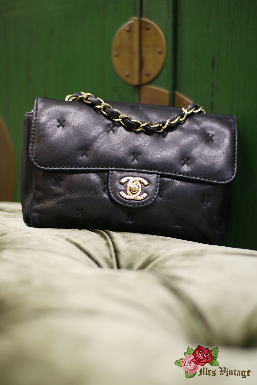 7c1c9c12e313 Pre Owned Chanel Small Black Flap Purse with Cross Stitch Details ...