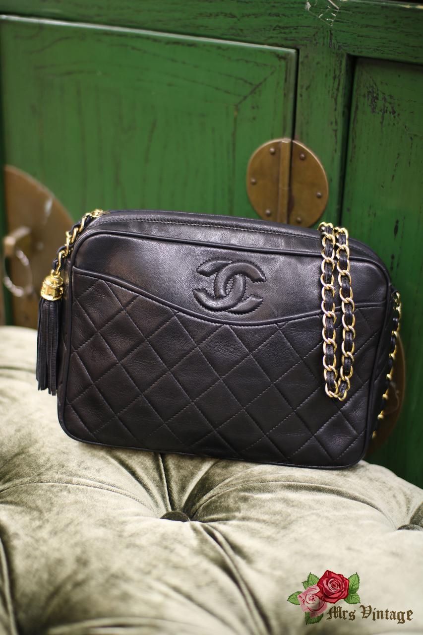 4af680f43dd3 Vintage Chanel Black Quilted Leather Shoulder Bag Fringe Gold Hardware