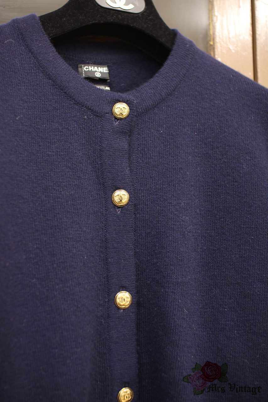 9910cb8a55 Vintage Chanel Navy Cashmere Cardigan With Round-Neck SIZE M - Mrs ...